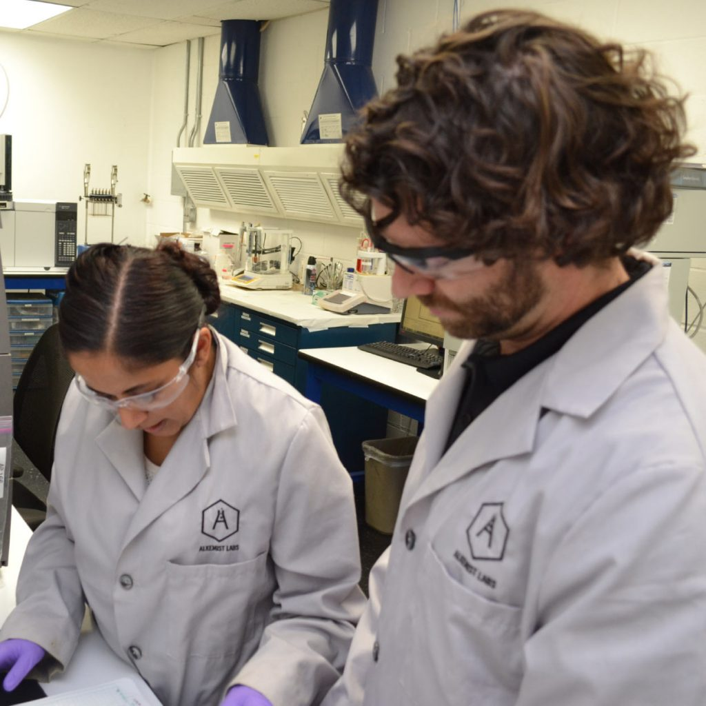 Elan in Lab